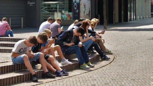 moviles sedentarios adolescentes